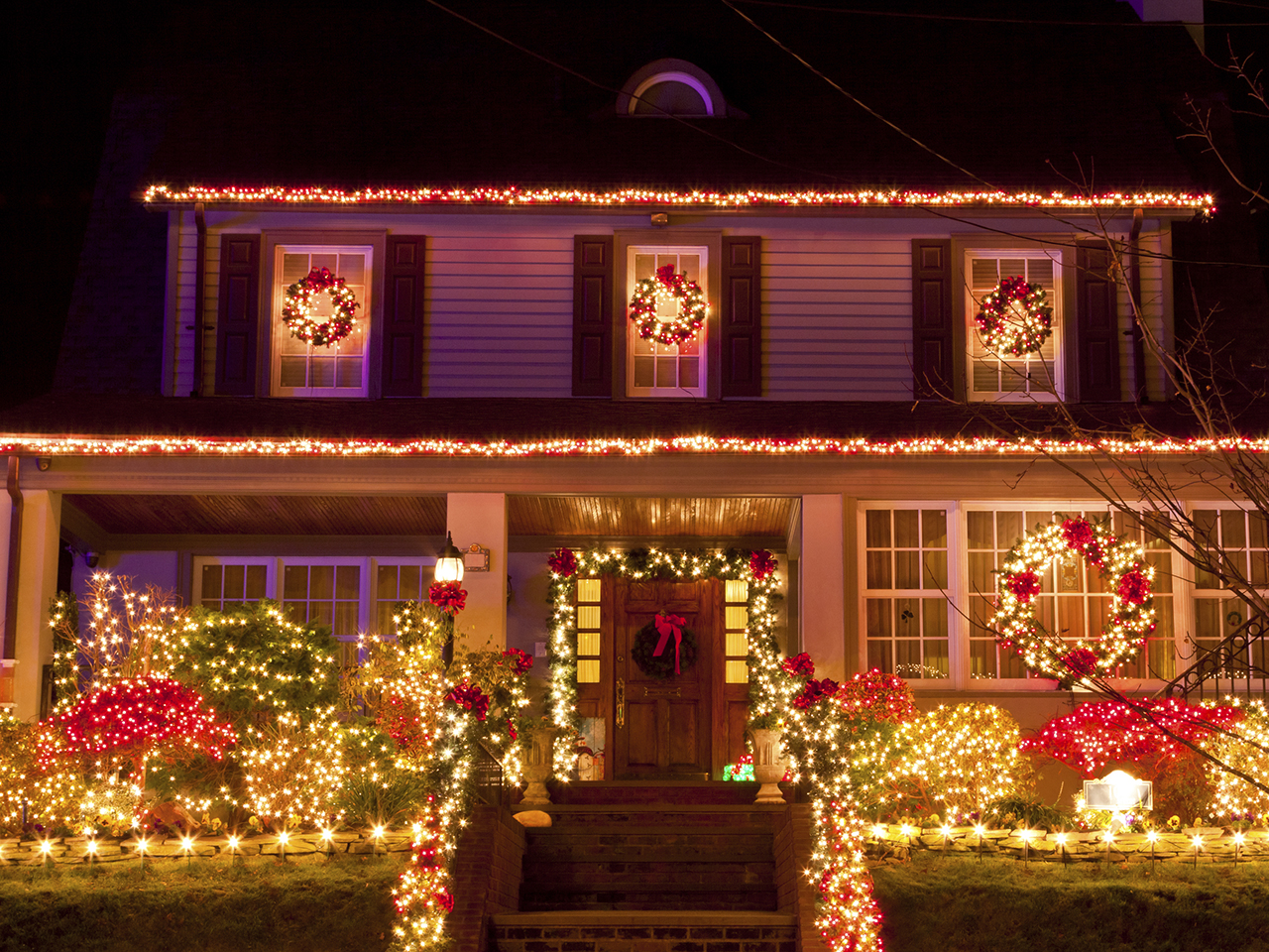 Deck the halls with holiday energy savings!